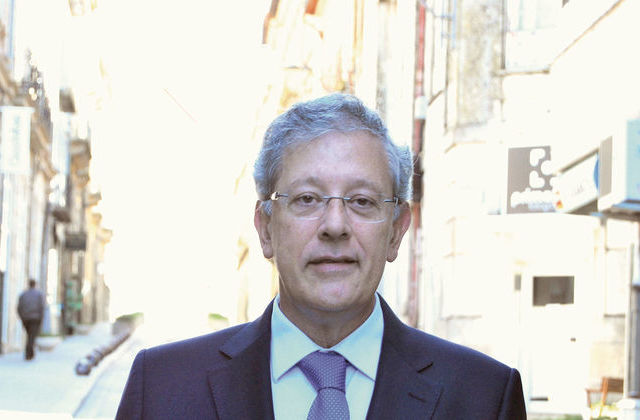 0fb72745869 Autarca de Viseu diz que tudo fará para manter a EBIS Jean Piaget