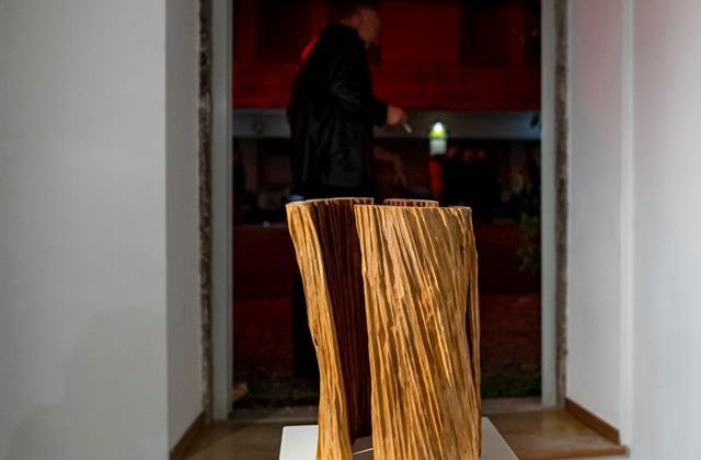 Escultor de Viseu produz obra de arte para a ACERT - Jornal do Centro